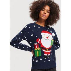 Sweter ze świątecznym motywem - Granatowy. Niebieskie swetry klasyczne damskie marki bonprix, z dzianiny. Za 89,99 zł.