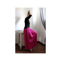 Długa zwiewna spódnica fuksja. Czerwone długie spódnice Szarymary, na lato, l, z gumy. Za 119,00 zł.