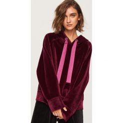 Bluza o aksamitnym wykończeniu - Fioletowy. Fioletowe bluzy damskie marki Reserved, l, z kapturem. Za 139,99 zł.