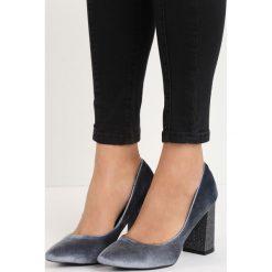 Szare Welurowe Czółenka Luxe. Szare buty ślubne damskie Born2be, z weluru, ze szpiczastym noskiem, na obcasie. Za 79,99 zł.