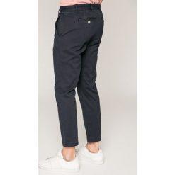 Calvin Klein Jeans - Jeansy. Niebieskie jeansy męskie regular Calvin Klein Jeans. W wyprzedaży za 269,90 zł.