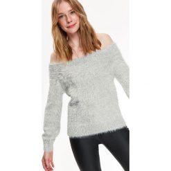 SWETER DŁUGI RĘKAW DAMSKI DOPASOWANY. Szare swetry klasyczne damskie marki Top Secret, na jesień. Za 129,99 zł.