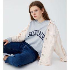 """Koszulka z długim rękawem """"Capeblue"""". Szare t-shirty damskie Pull&Bear. Za 59,90 zł."""