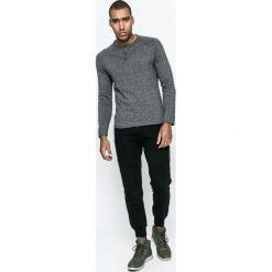 Medicine - Sweter City Rhythmes. Szare swetry klasyczne męskie marki MEDICINE, l, z bawełny, z okrągłym kołnierzem. W wyprzedaży za 79,90 zł.