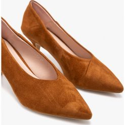 Answear - Czółenka Moow. Szare buty ślubne damskie marki ANSWEAR, z materiału, na obcasie. W wyprzedaży za 69,90 zł.