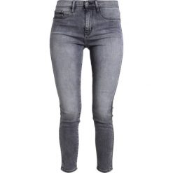 Calvin Klein Jeans HIGH RISE SKINNY ANKLESTRIP Jeans Skinny Fit garmor grey. Szare jeansy damskie Calvin Klein Jeans, z bawełny. W wyprzedaży za 419,30 zł.
