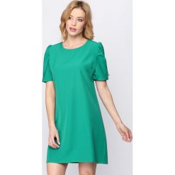 Zielona Sukienka Thunderbird. Zielone sukienki letnie marki Born2be, s, mini. Za 79,99 zł.