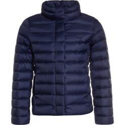 Polo Ralph Lauren QUILTED OUTERWEAR Kurtka przejściowa newport navy. Niebieskie kurtki dziewczęce przejściowe marki Polo Ralph Lauren, na zimę, z materiału. W wyprzedaży za 440,30 zł.