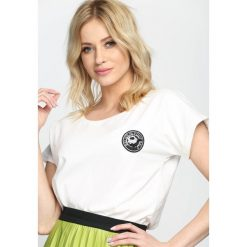 T-shirty damskie: Biały T-shirt By Yourself