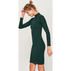 Sukienka mini z długimi rękawami - Zielony. Zielone sukienki mini marki Mohito, l, z długim rękawem. Za 79,99 zł.