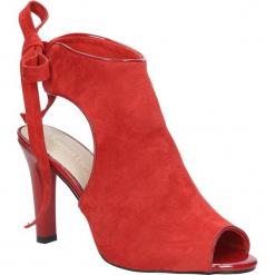 Czerwone sandały na obcasie z kokardą Sergio Leone 1493. Czarne sandały damskie marki Sergio Leone. Za 108,99 zł.