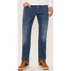 Jeansy regular classic - Niebieski. Niebieskie jeansy męskie regular House. Za 129,99 zł.