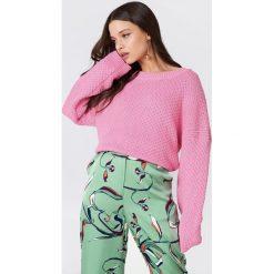 Swetry klasyczne damskie: Samsoe & Samsoe Sweter Lina O-N – Pink