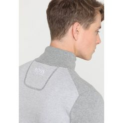 BOSS ATHLEISURE ZUP PRO Sweter grey melange. Niebieskie swetry klasyczne męskie marki BOSS Athleisure, m. Za 839,00 zł.