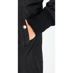 Tiger of Sweden Jeans TIDE Kurtka Bomber black. Czarne kurtki męskie bomber marki Tiger of Sweden Jeans, l, z jeansu. W wyprzedaży za 401,70 zł.