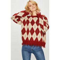 Silvian Heach - Sweter. Szare swetry klasyczne damskie marki Silvian Heach, l, z dzianiny, z włoskim kołnierzykiem. Za 439,90 zł.