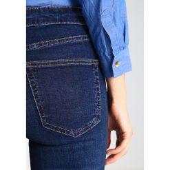Topshop JAMIE NEW Jeans Skinny Fit indigo. Niebieskie jeansy damskie marki Topshop. Za 229,00 zł.