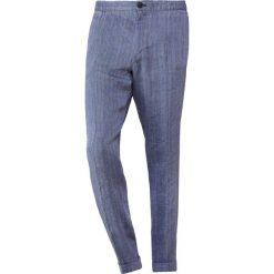 Chinosy męskie: Essentiel Antwerp KNOCK WAIST PANTS Chinosy blue