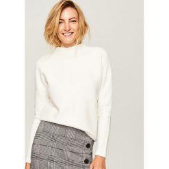 Sweter ze stójką - Kremowy. Szare swetry klasyczne damskie marki FOUGANZA, z bawełny. Za 119,99 zł.