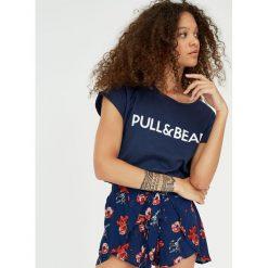 Koszulka z logo P&B. Zielone t-shirty damskie Pull&Bear. Za 29,90 zł.
