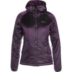 Meru VICTORIA Kurtka Outdoor deep purple. Fioletowe kurtki damskie turystyczne marki Meru, s, z materiału. W wyprzedaży za 314,25 zł.