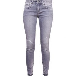 DRYKORN PAY Jeans Skinny Fit light grey denim. Szare rurki damskie DRYKORN. W wyprzedaży za 496,30 zł.