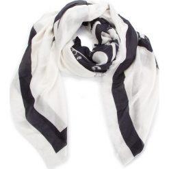 Chusta MOSCHINO - 03289 M1845 003. Białe chusty damskie MOSCHINO, z kaszmiru. Za 789,00 zł.