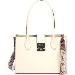 Torebki klasyczne damskie: Skórzana torebka w kolorze beżowym – (S)31 x (W)42 x (G)13 cm