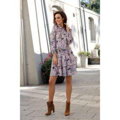 Klasyczna koszulowa sukienka pantofelki. Szare sukienki balowe marki Lemoniade, na jesień, z nadrukiem, z klasycznym kołnierzykiem, mini, koszulowe. Za 249,90 zł.