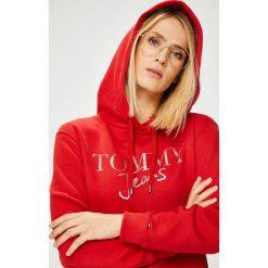 Tommy Jeans - Bluza. Czerwone bluzy męskie Tommy Jeans, l, z jeansu. W wyprzedaży za 319,90 zł.
