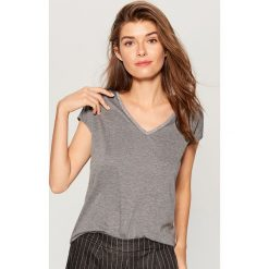 T-shirty damskie: Koszulka z brokatowym zdobieniem - Szary