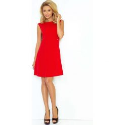 Czerwona Sukienka Trapezowa Mini bez Rękawów. Czarne sukienki balowe marki bonprix, do pracy, w paski, moda ciążowa. Za 139,90 zł.