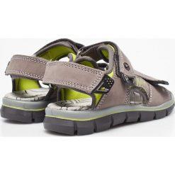 Primigi - Sandały dziecięce. Brązowe sandały chłopięce Primigi, z materiału. W wyprzedaży za 129,90 zł.