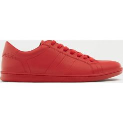 Buty męskie: Czerwone buty w sportowym stylu