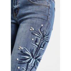Cartoon JEANS Jeans Skinny Fit blue denim. Niebieskie jeansy damskie Cartoon. W wyprzedaży za 377,10 zł.