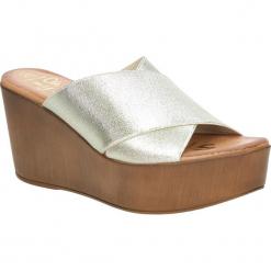 Klapki na koturnie Oh My Sandals 3490. Pomarańczowe klapki damskie marki Oh My Sandals, na koturnie. Za 119,99 zł.