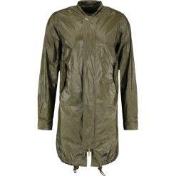 Brixtol Textiles D.W BOMBER Kurtka przeciwdeszczowa oily green. Czarne kurtki męskie bomber marki B'TWIN, m, z materiału. W wyprzedaży za 503,60 zł.