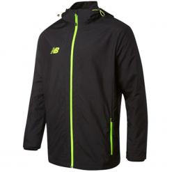 Kurtka treningowa Best Woven Jacket. Czarne kurtki sportowe męskie New Balance, l, z materiału, do piłki nożnej. W wyprzedaży za 229,99 zł.