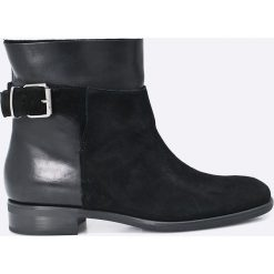 Gino Rossi - Botki. Czarne buty zimowe damskie marki Gino Rossi, z materiału, z okrągłym noskiem, na obcasie. W wyprzedaży za 249,90 zł.
