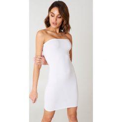 NA-KD Basic Sukienka bandeau basic - White. Różowe sukienki na komunię marki NA-KD Basic, z bawełny. Za 60,95 zł.