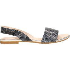 Sandały MOLLY. Szare sandały damskie marki Gino Rossi, w paski, z materiału, małe. Za 169,90 zł.