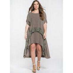 Długie sukienki: Rozkloszowana sukienka, przedłużany tył, krótki rękaw