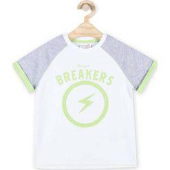 Coccodrillo - T-shirt dziecięcy 92-122 cm. Białe t-shirty chłopięce z nadrukiem marki COCCODRILLO, m, z bawełny, z okrągłym kołnierzem. Za 39,90 zł.