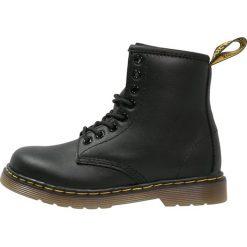Dr. Martens DELANEY SOFTY Botki sznurowane black. Czarne buty zimowe damskie Dr. Martens, z materiału, na sznurówki. Za 419,00 zł.