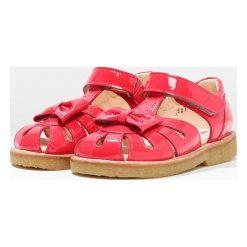ANGULUS Sandały raspberry. Czerwone sandały chłopięce ANGULUS, z materiału, z otwartym noskiem. W wyprzedaży za 343,85 zł.