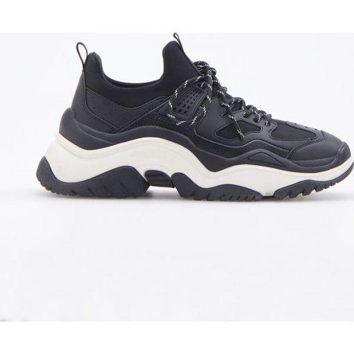 212974613c894 Buty w sportowym stylu - Czarny - Czarne buty sportowe damskie ...