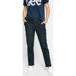 Lee - Jeansy. Niebieskie jeansy damskie Lee. W wyprzedaży za 259,90 zł.