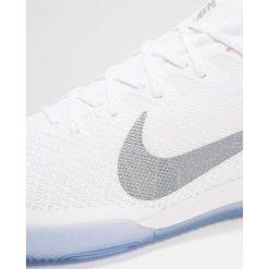 Nike Performance MERCURIAL VAPORX 12 PRO IC Halówki white/chrome/total orange. Białe buty skate męskie Nike Performance, z gumy, do piłki nożnej. Za 419,00 zł.