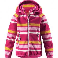 """Kurtka polarowa """"Vuoksi"""" w kolorze różowym. Czerwone kurtki dziewczęce przeciwdeszczowe marki Reserved, z kapturem. W wyprzedaży za 125,95 zł."""