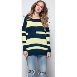 Swetry oversize damskie: Granatowy Luźny Sweter w Paski z Naszytą Kieszenią